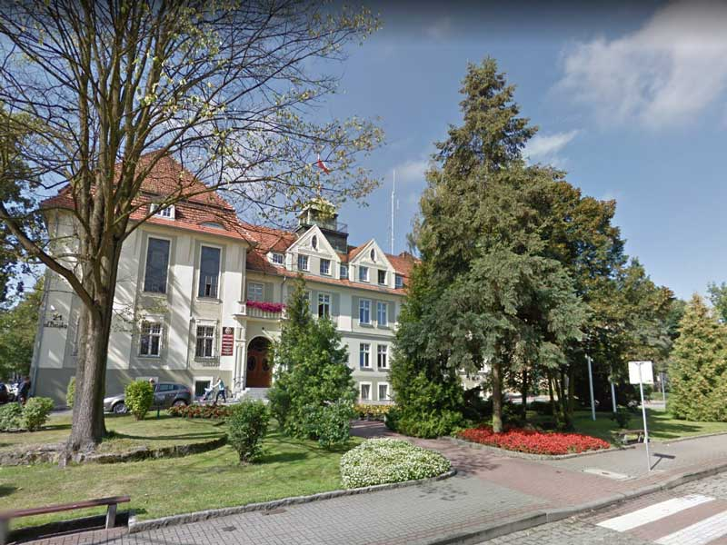 Starostwo w Oleśnie / Google Maps