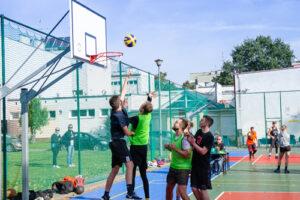 Koszykarze grali o puchar Starosty